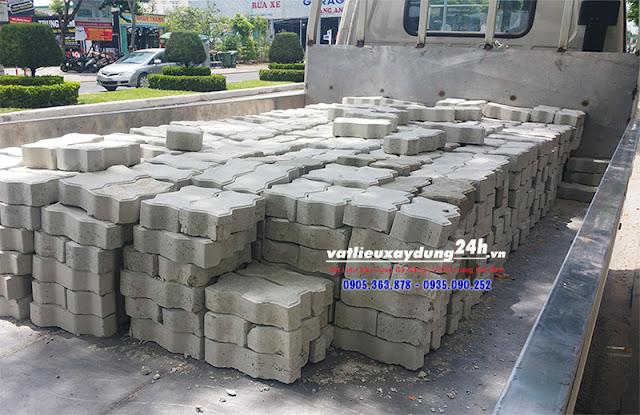 Gạch block con sâu tự chèn