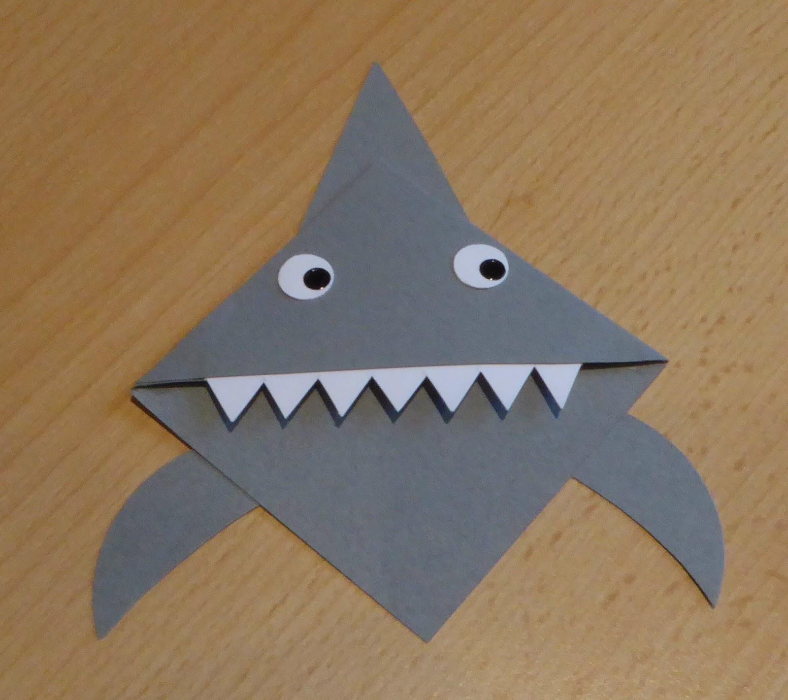 Crafty Sunflower: Shark Bookmark