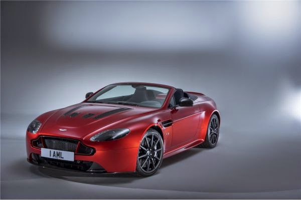 Aston Martin V12 Vantage S Roadster Photo Gallery