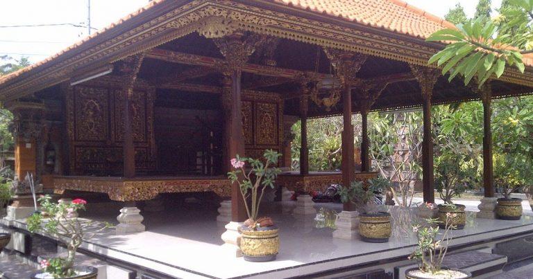 Rumah Adat Bali Bale Gede