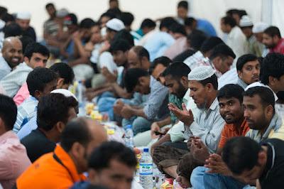 Kriteria Makanan dan Minuman Halal Berdasarkan Al-Quran | Slide PPT