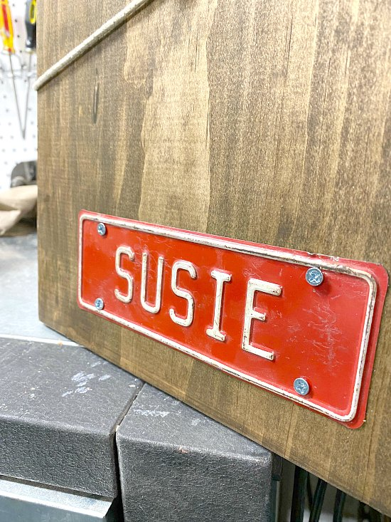 How to Make an Easy Cord Wrapped Message Center with a vintage license plate