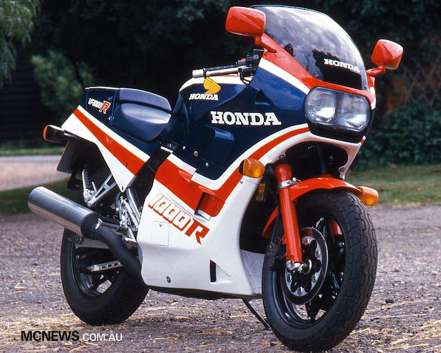 Honda VF1000R Exhaust Sound