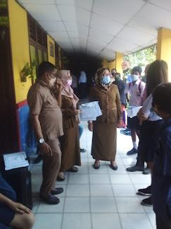Dinas Pendidikan Gelar Vaksinasi Pelajar di SMP Negeri 2 Medan