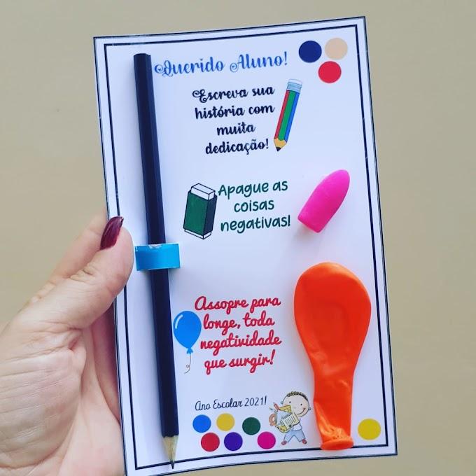 Lembrancinha volta às aulas com lápis, borracha e balão