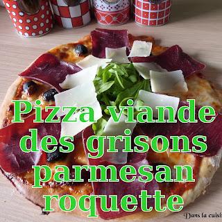 http://www.danslacuisinedhilary.blogspot.fr/2015/06/pizza-viande-des-grisons-parmesan-roquette.html