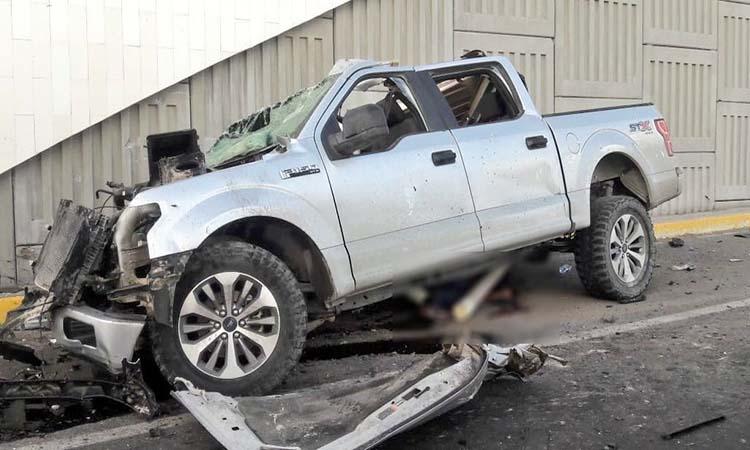 FOTOS: Balacera y persecución en Reynosa; sicarios terminan chocando con saldo de 5 muertos.