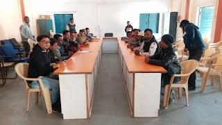 समय पर विभागीय अधिकारी के नहीं पहुंचने पर पत्रकार लौटे बेरंग