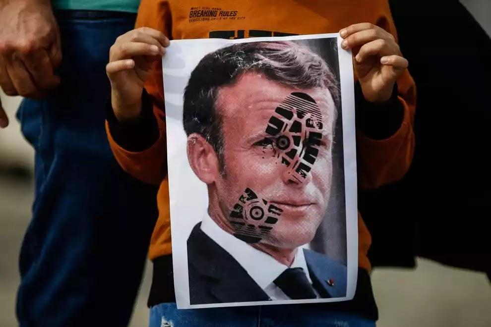 Emmanuel Macron footprint