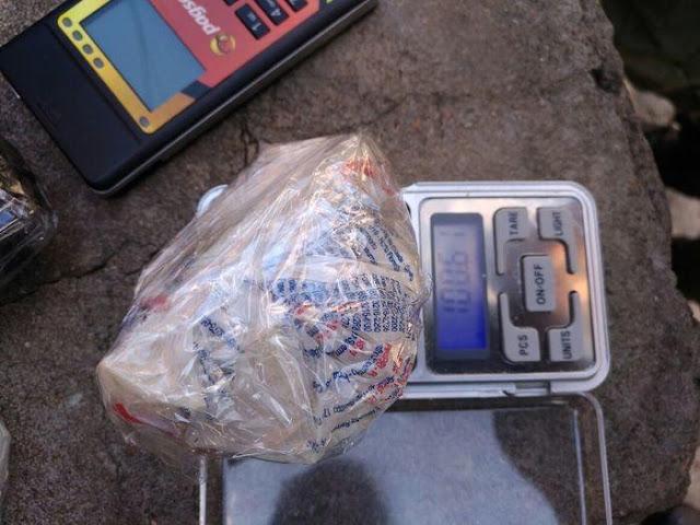 Em Teresina, travesti é presa acusada de vender drogas usando máquina de cartão