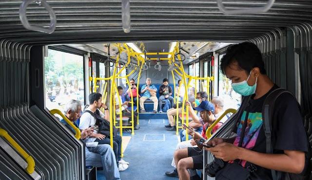 Fase Transisi, Bus Transjakarta Tambah Waktu Beroperasi hingga Pukul 22.00 Malam