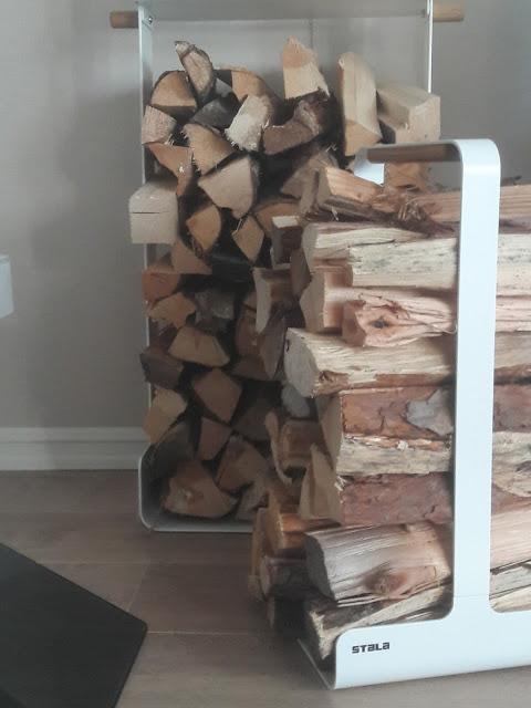 stalan wood rack puunkantoteline