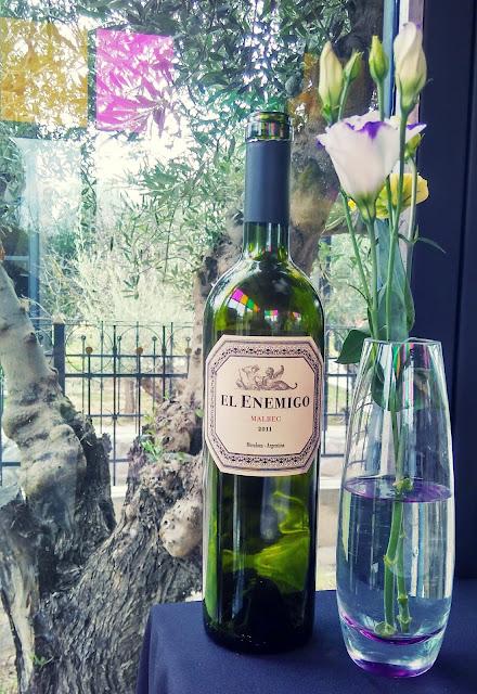 Delicioso vinho da vinícola El Enemigo, em Mendoza, Argentina.