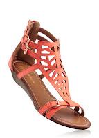 Sandale trendy şi lejere