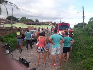 Em Guarabira carro desgovernado  atropela uma mulher e criança no bairro Clóvis Bezerra