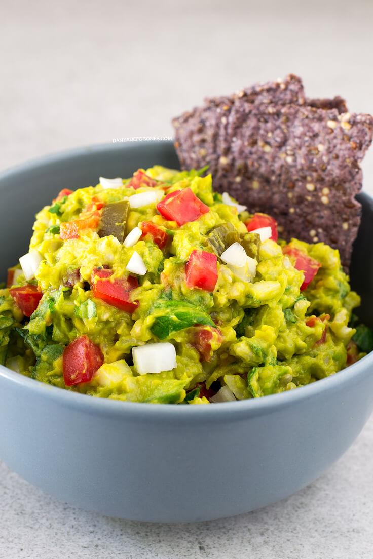 Guacamole salad | danceofstoves.com #vegan