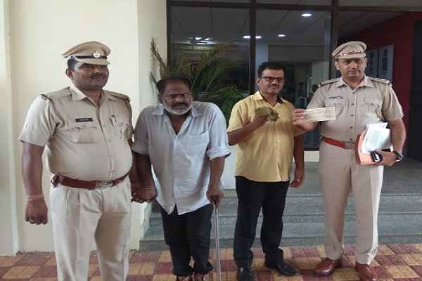 gurugram-sector-31-crime-branch-arrested-fake-cheque-catering-workers