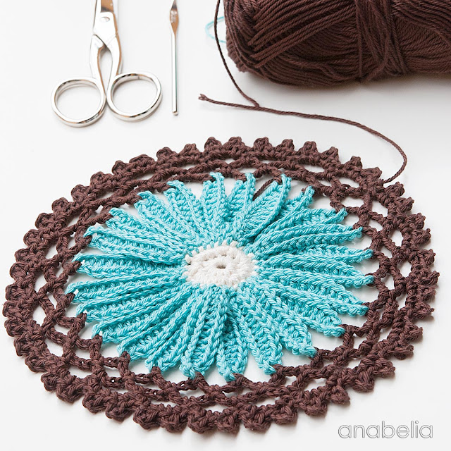 Crochet daisy motif, Anabelia Craft Design