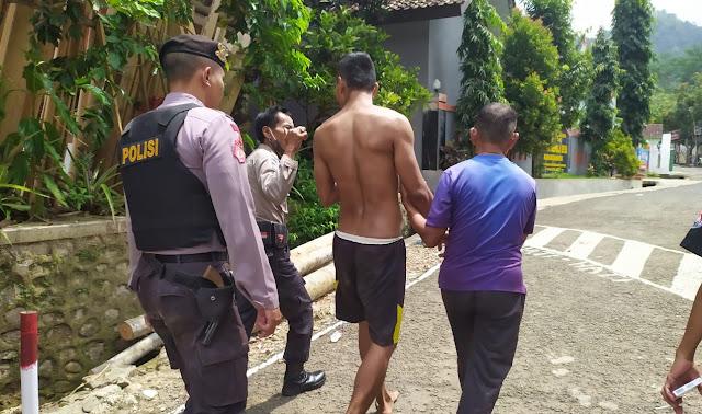 Polisi Rembang Amankan Pria Gangguan Jiwa di Karangbawang