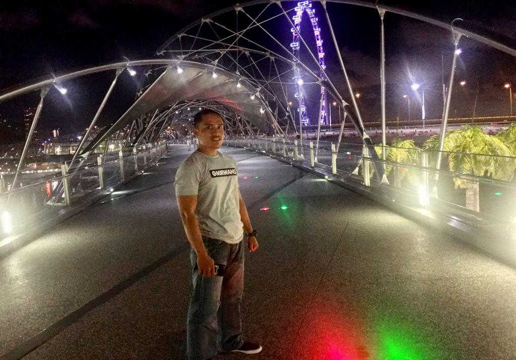 Helix Bridge - Jembatan dengan Design DNA Pertama di Dunia, Bagaimana Cara ke Helix Bridge? Destinasi Wisata yang Instagramable di Singapore