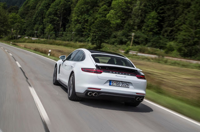 2016 Porsche Panamera 4S Diesel REVIEWS
