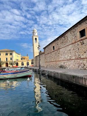 Giro in moto sul Lago di Garda: Lazise