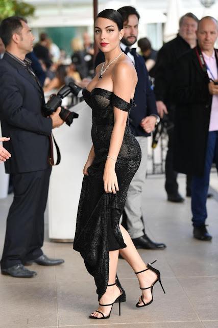 Chẳng cần hở bạo như Ngọc Trinh, bạn gái Ronaldo vẫn khiến fan phải phát cuồng khi xuất hiện ở Cannes