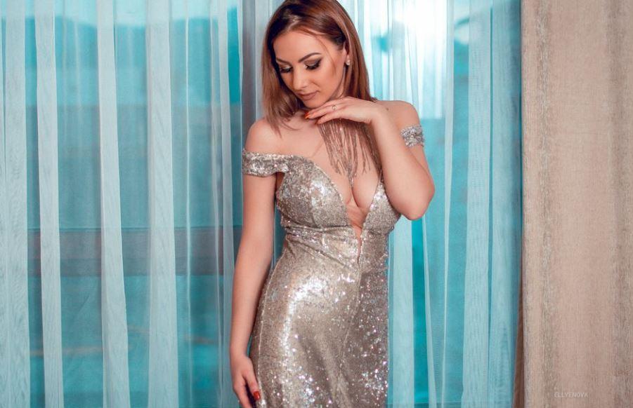 EllyeNova Model GlamourCams