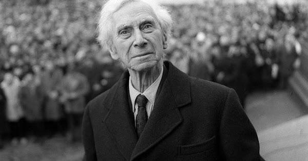 Bertrand Russell: El miedo a la opinión pública, es opresivo y atrofia el desarrollo.