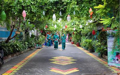 Contoh Teks Diskusi Kebersihan Lingkungan Bahasa Indonesia Kelas VIII