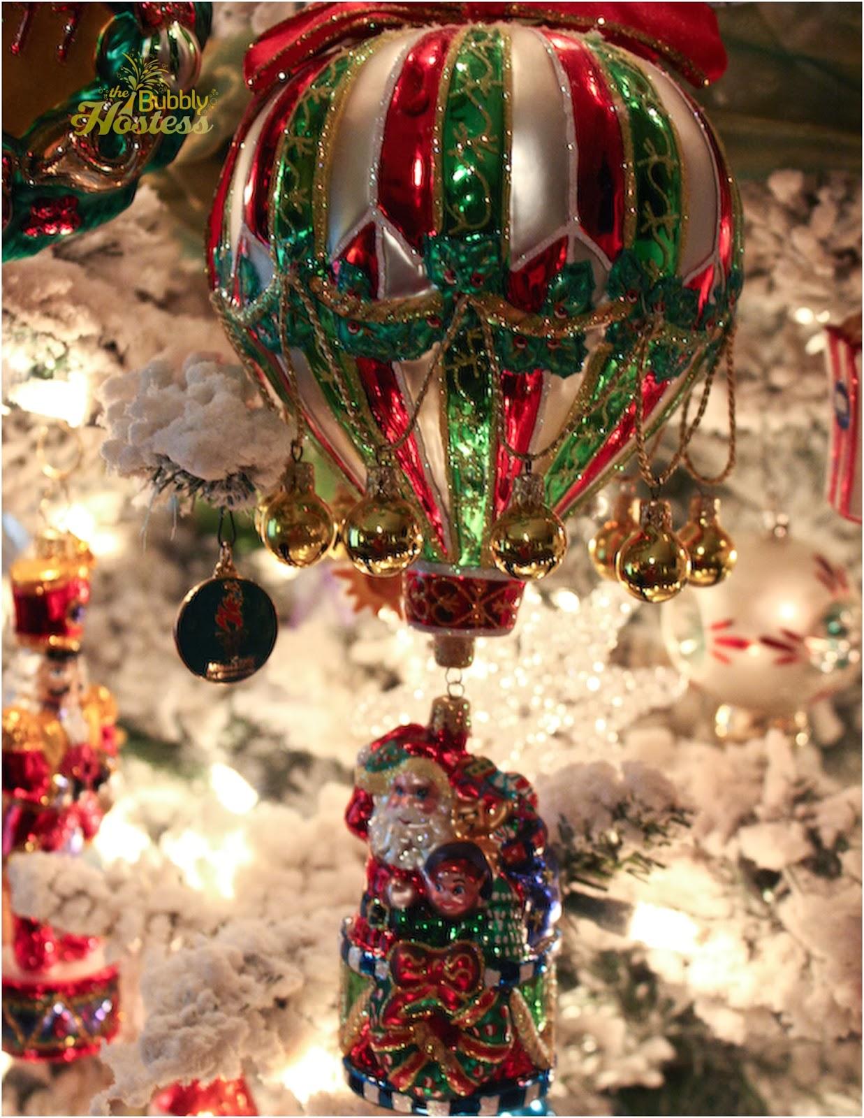 The Bubbly Hostess: Flocked Christmas Tree - Decorated ...