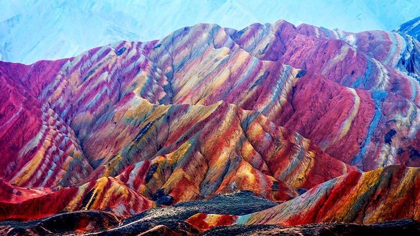 gezilecek fantastik yerler gökkuşağı dağları