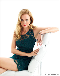 Heather Graham Sexy Look In Green Outfit