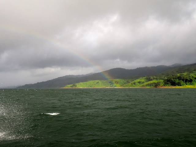 Boat trip with rainbow in Costa Rica