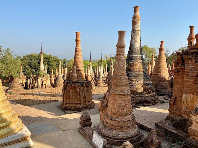 Shwe Inn Dein Pagoda (Inle Lake)