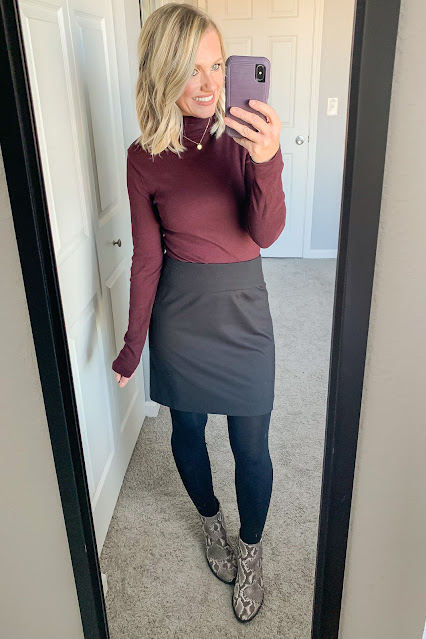 Thanksgiving outfit idea with turtleneck and black skirt