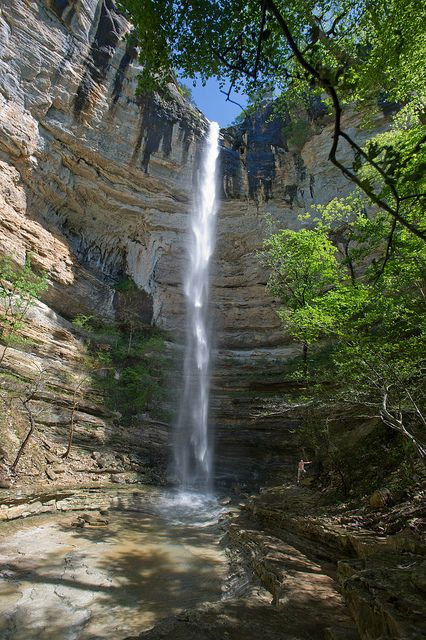 Hemmed-in-Hollow Falls, Arkansas, USA