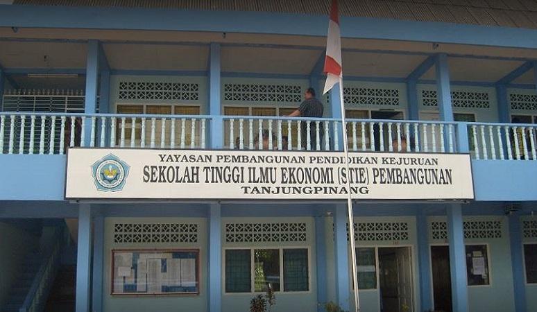 PENERIMAAN MAHASISWA BARU (STIE PEMBANGUNAN) 2018-2019 SEKOLAH TINGGI ILMU EKONOMI PEMBANGUNAN