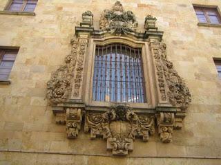 Окна из дерева в стиле барокко