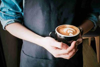 القهوة مع زيت جوز الهند