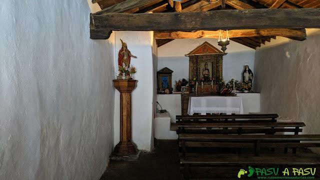 Interior de la Capilla de Santiso, Cangas del Narcea