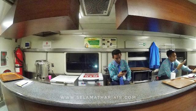 Gerbong restorasi Kereta Ekonomi Jaka Tingkir