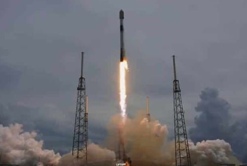 SpaceX launches 88 satellites into space