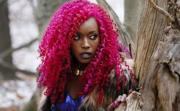 Estelar, de Anna Diop, ganha novo visual para a terceira temporada de 'Titãs'