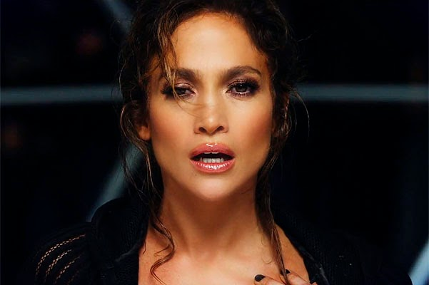 Jennifer Lopez in a new clip Adrenalina