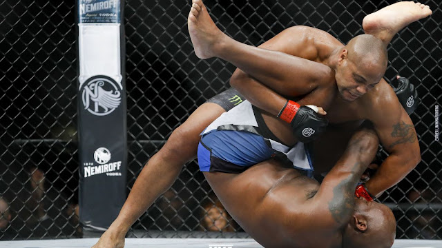 UFC 230 Video Highlights : Daniel Cormier Submits Derrick Lewis, Retains Heavyweight Titles