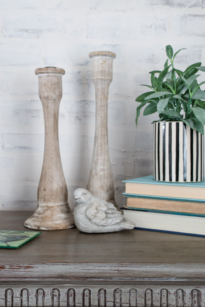 nightstand decor for Spring