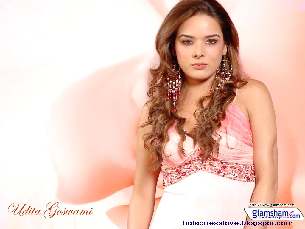Udita Goswami Hot And Sexi Photo Gallery-9989
