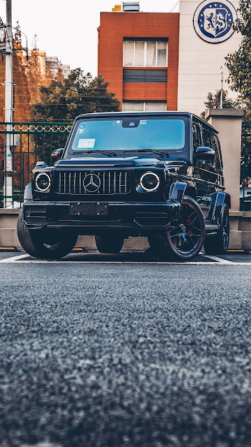 Mercedes, SUV, Black, Front view