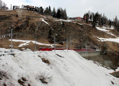 Bernina Express llegando a St. Moritz